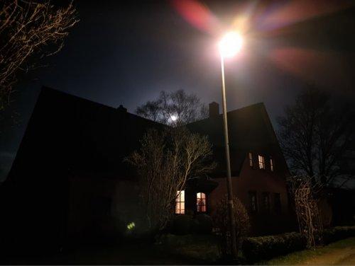 108 MP Nacht Dunkel ƒ1,8146,7 mmISO 1250.jpg
